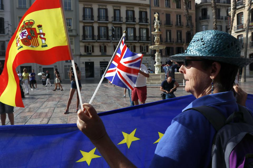 Madrid Demands Reciprocity From London To Maintain Britons' Rights In A No-Deal Brexit Scenario
