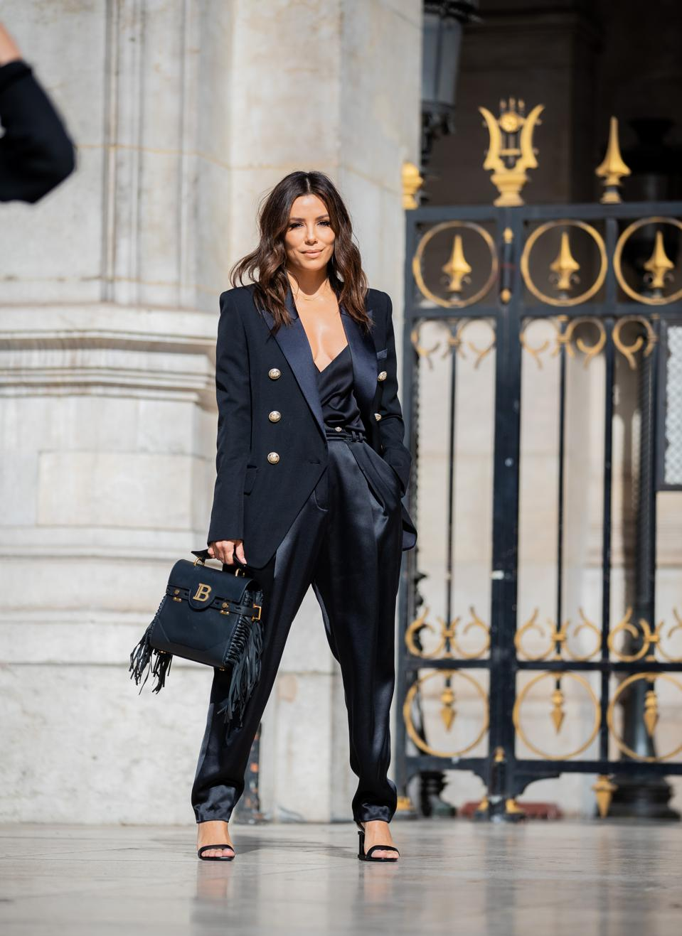 Celebrity Sightings : Paris Fashion Week - Womenswear Spring Summer 2020 : Day Five