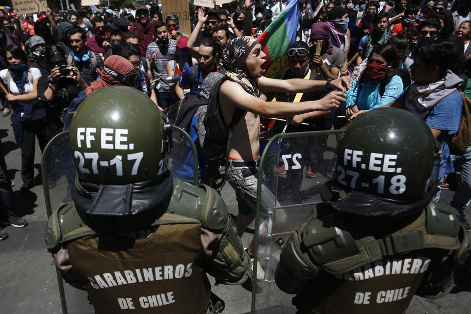 Cabinet Reshuffle in Chile After Massive Protests Against Piñera