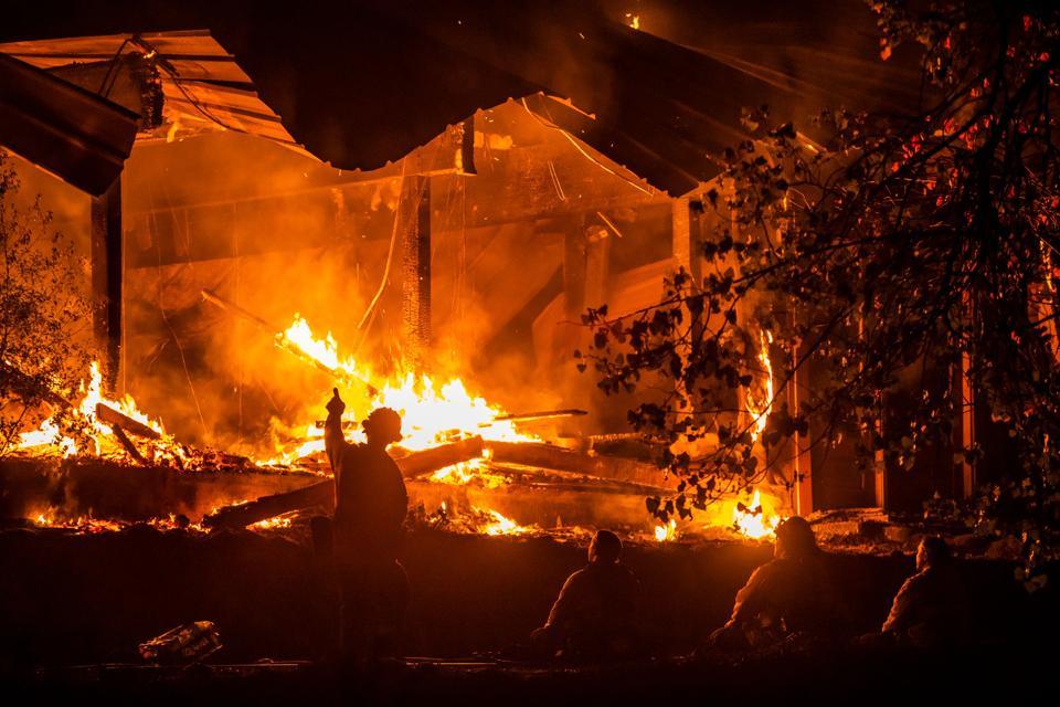US-CALIFORNIA-FIRES
