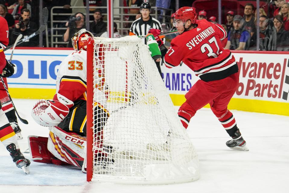 NHL: OCT 29 Flames at Hurricanes