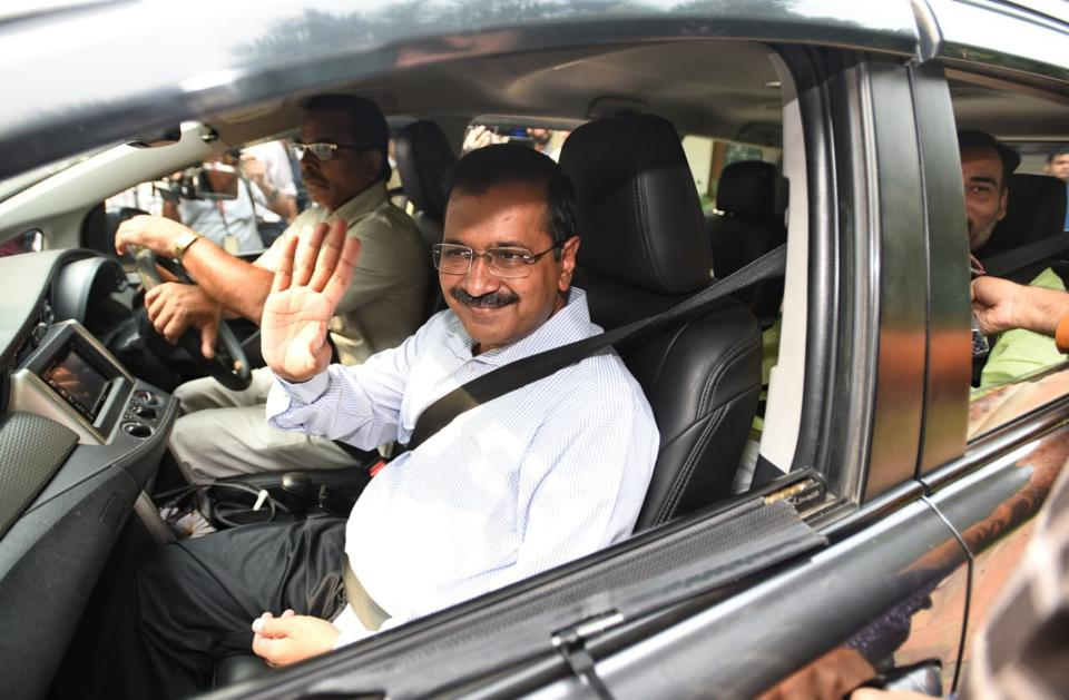 Odd Even 3.0 Delhi Chief Minister Arvind Kejriwal Uses Carpool To Commute