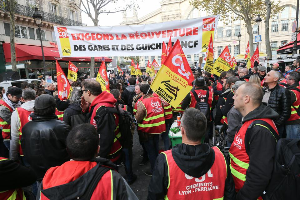 Railway Workers Demontrate In Paris
