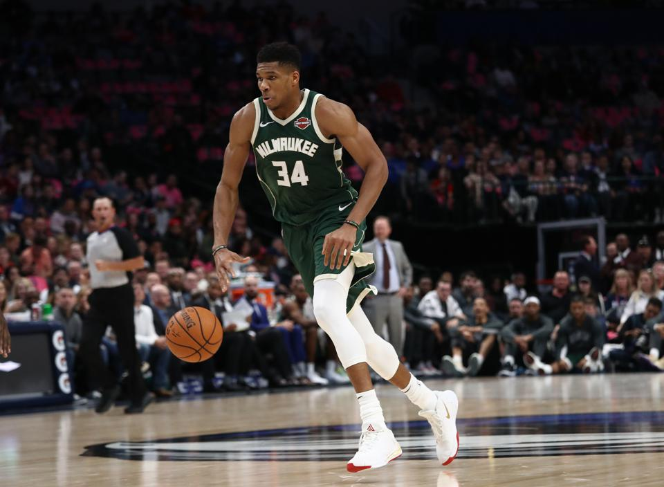 Giannis Antetokounmpo Favored To Win NBA MVP; Zion Williamson Is Heavy Rookie Of Year Favorite