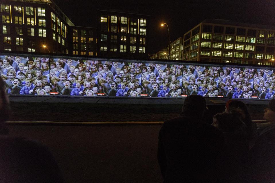 ברלין משיקה אירועים כדי לחגוג 30 שנה מאז נפילת חומת ברלין