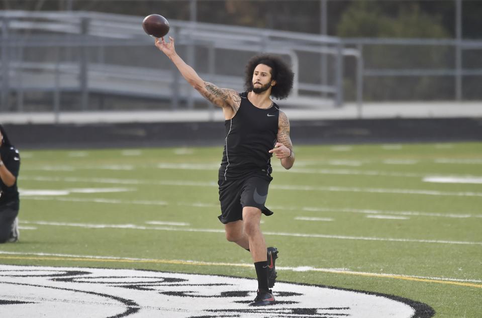 NFL FOOTBALL: NOV 16 Colin Kaepernick Workout Drills