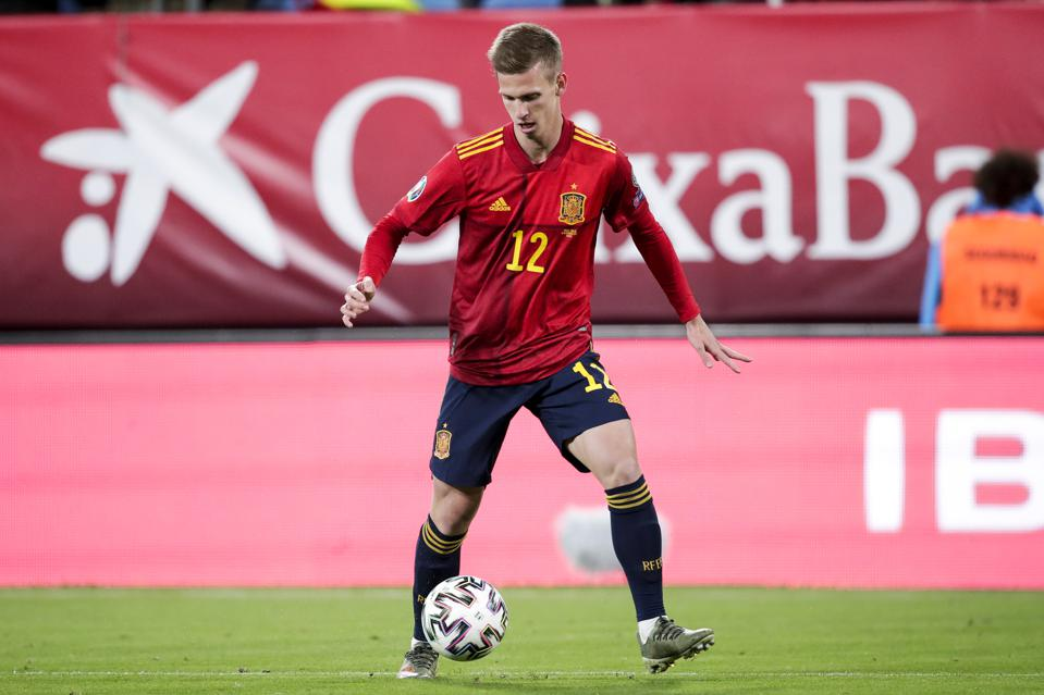 Dani Olmo Rb Leipzig Beat Out Barcelona To Complete 22 8 Million Deal