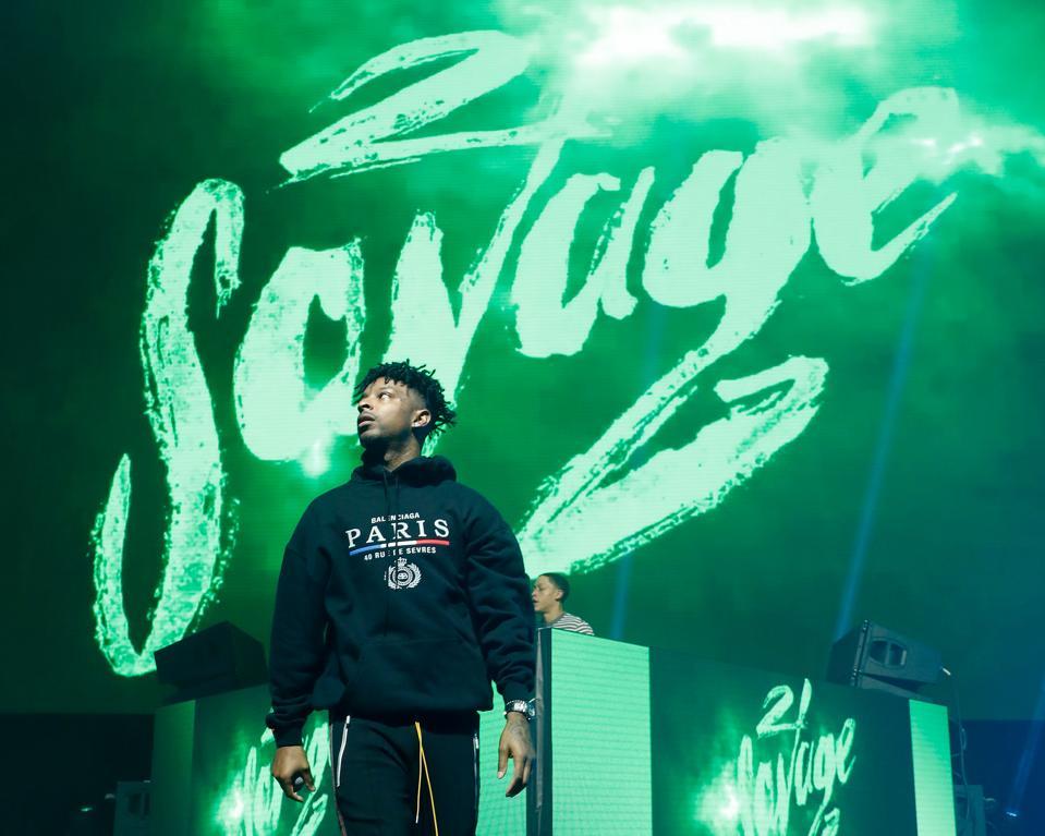 Arizona Zervas's 'Roxanne' Turns On The Red Light, 21 Savage Succeeds With 'Mortal Kombat': A Hot R&B/Hip-Hop Chart Update