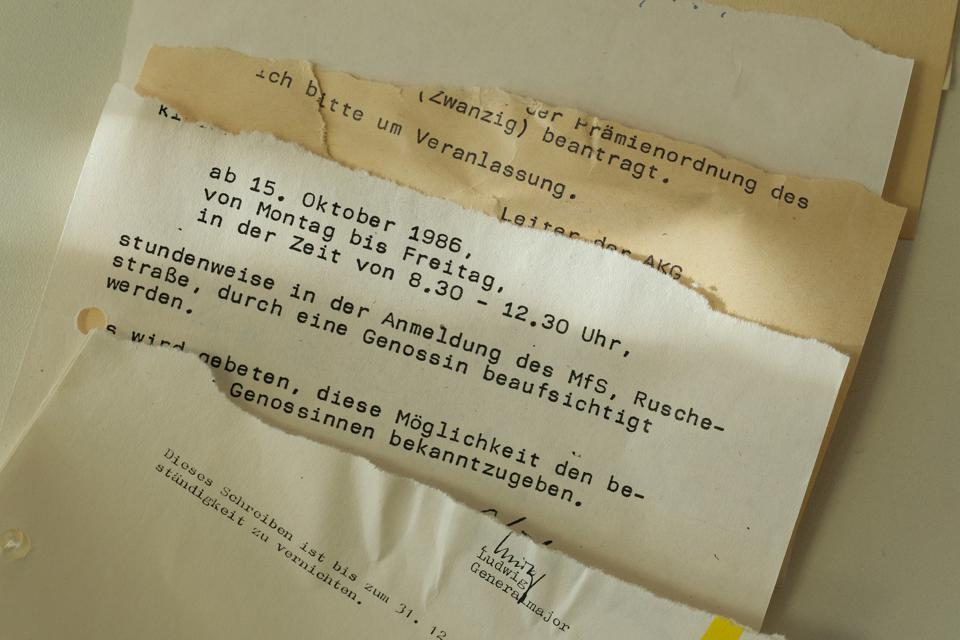 30 Years Since Revolution Germany Seeks To Reconstruct Torn Secret Police Documents