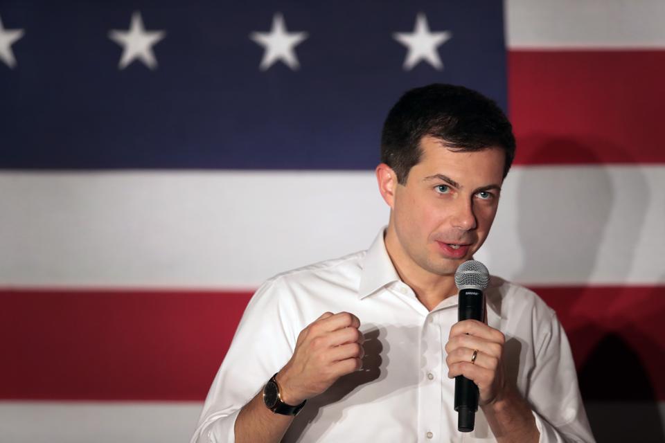Democratic Presidential Candidate Pete Buttigieg Campaigns In Iowa