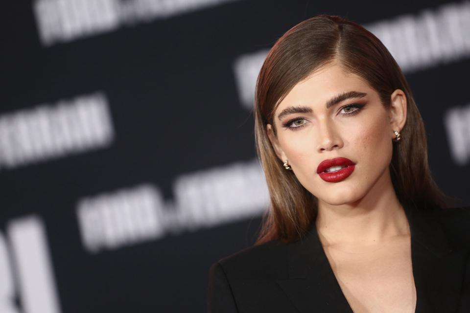Will Sports Illustrated S First Transgender Model Valentina Sampaio Help Boost Trans Acceptance