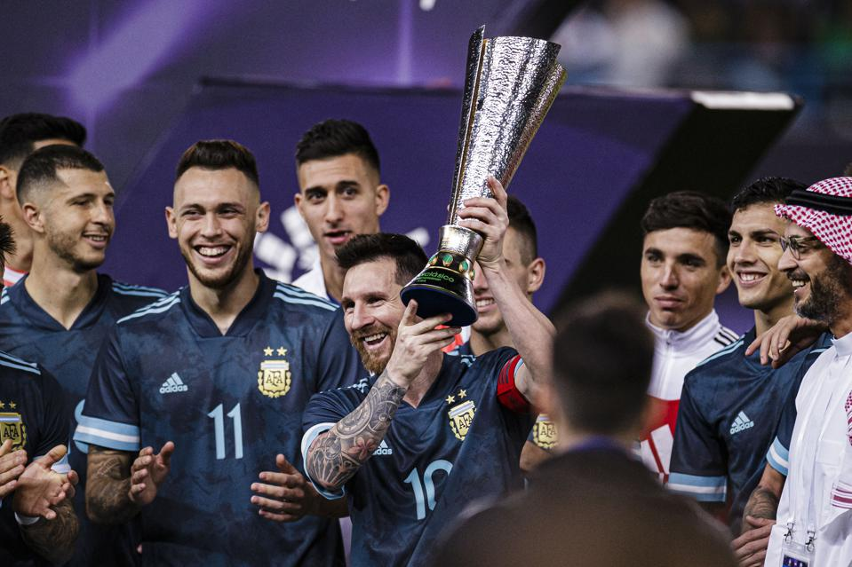 'His Return Was A 10': How The Press In Argentina Reacted To Messi's Brazil Comeback Win