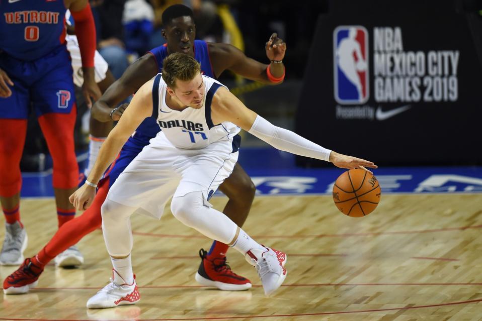 BASKET-NBA-PISTONS-MAVERICKS