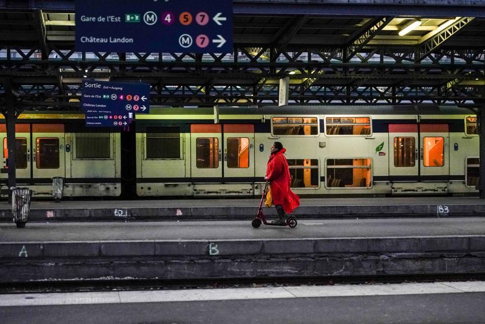 FRANCE-TRANSPORT-STRIKE-PENSIONS