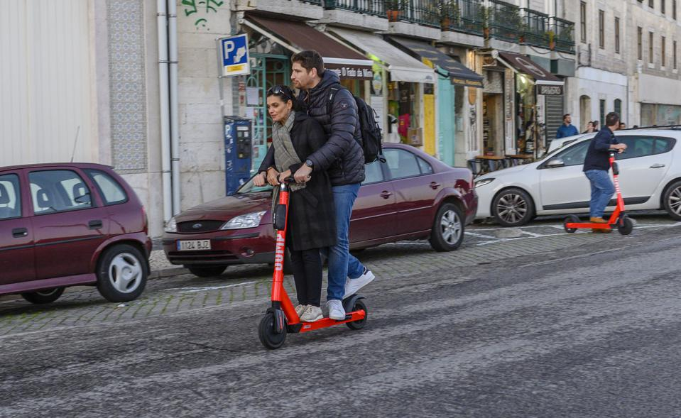 Jump-Uber e-scooters arrive in Lisbon