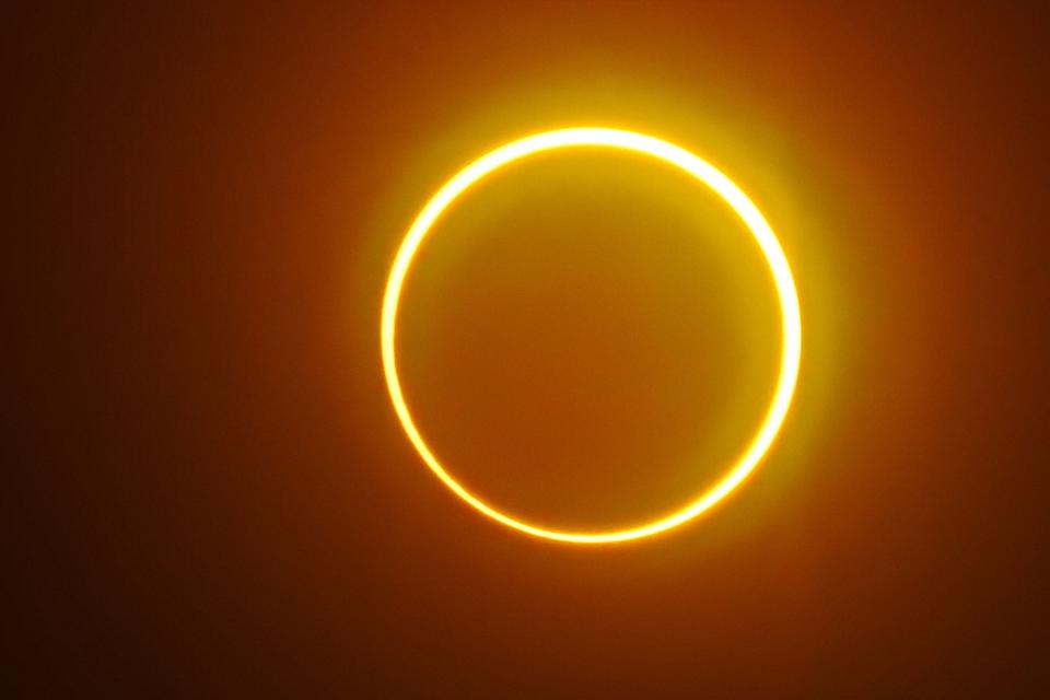 TOPSHOT-PHILIPPINES-ASTRONOMY-ECLIPSE