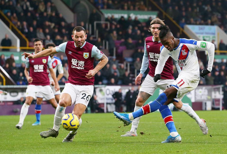 Burnley FC v Crystal Palace - Premier League