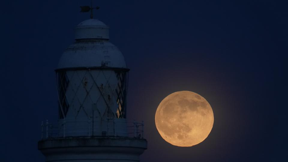 The final full Moon of fall—the ″Beaver Moon″—will rise Monday and, in the early hours of Tuesday, be visible as a penumbral lunar eclipse.