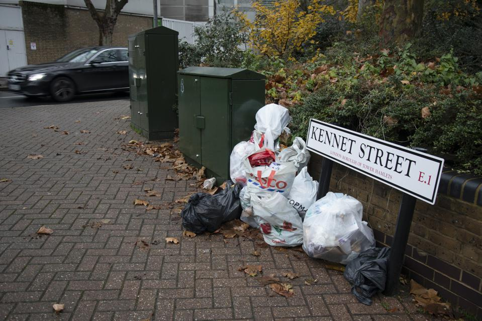 Rubbish Dumped On The Street In London. Is London cleaner than Paris