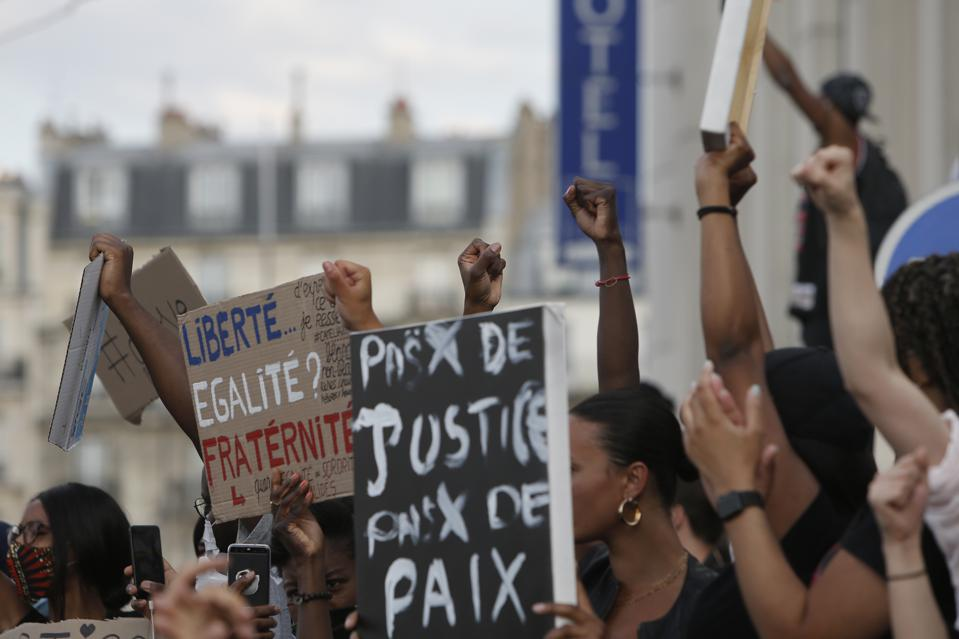 America Protests France