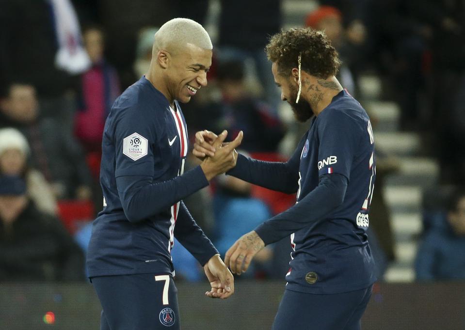 Paris Saint-Germain v Amiens SC - Ligue 1