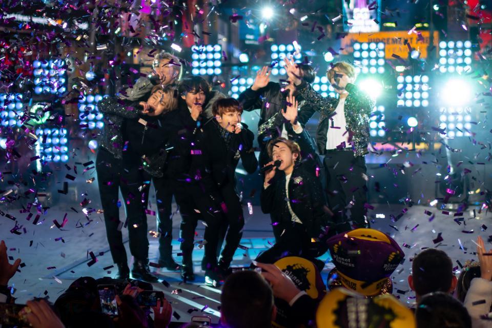 Celebrity Culture: Instances Sq. New twelve months's Eve 2020 Accumulate together