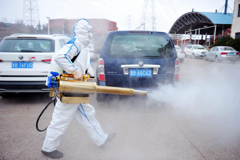 Volunteers Walk Into The Community To Disinfect And Prevent Pneumonia