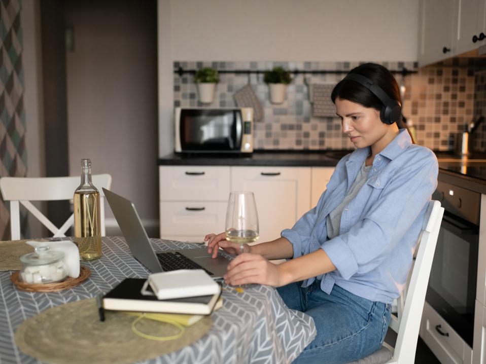 virtual wine tasting, sommelier, online wine class