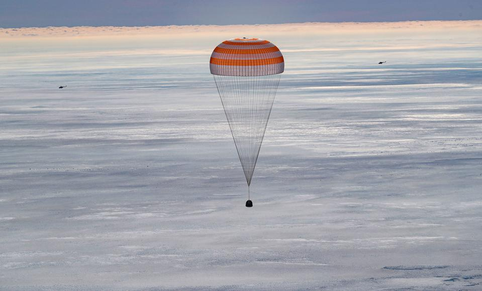 KAZAKHSTAN-RUSSIA-US-ITALY-SPACE-ISS-LANDING