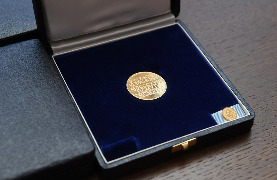 Award of the Constitutional Medal