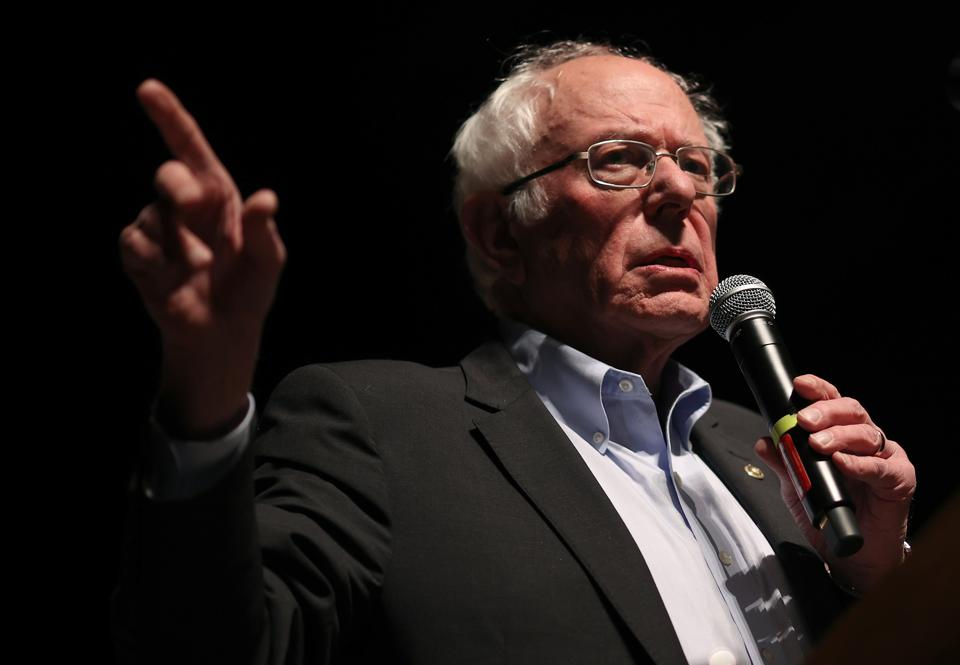 Bernie Sanders Campaigns in Iowa Ahead of Caucus