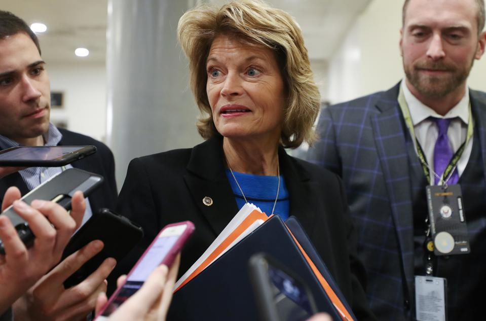 Sen. Lisa Murkowski (R-AK) (Photo by Mario Tama/Getty Images)