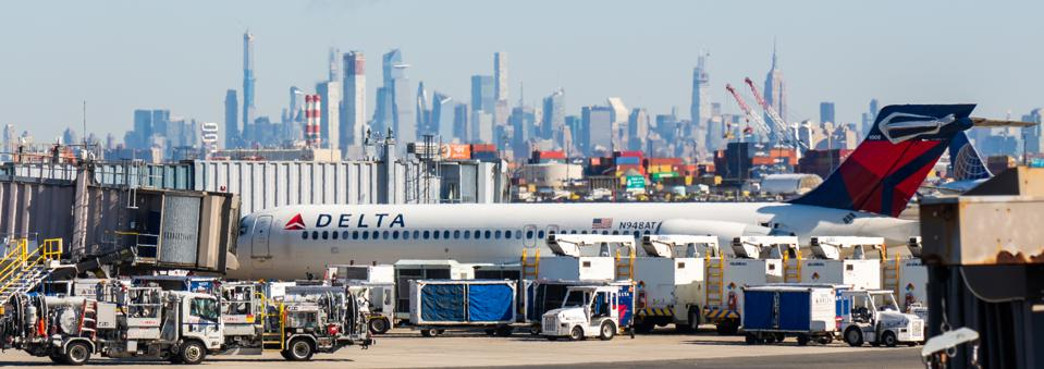 Delta Airlines Boeing 717-200 aircraft seen at Newark...