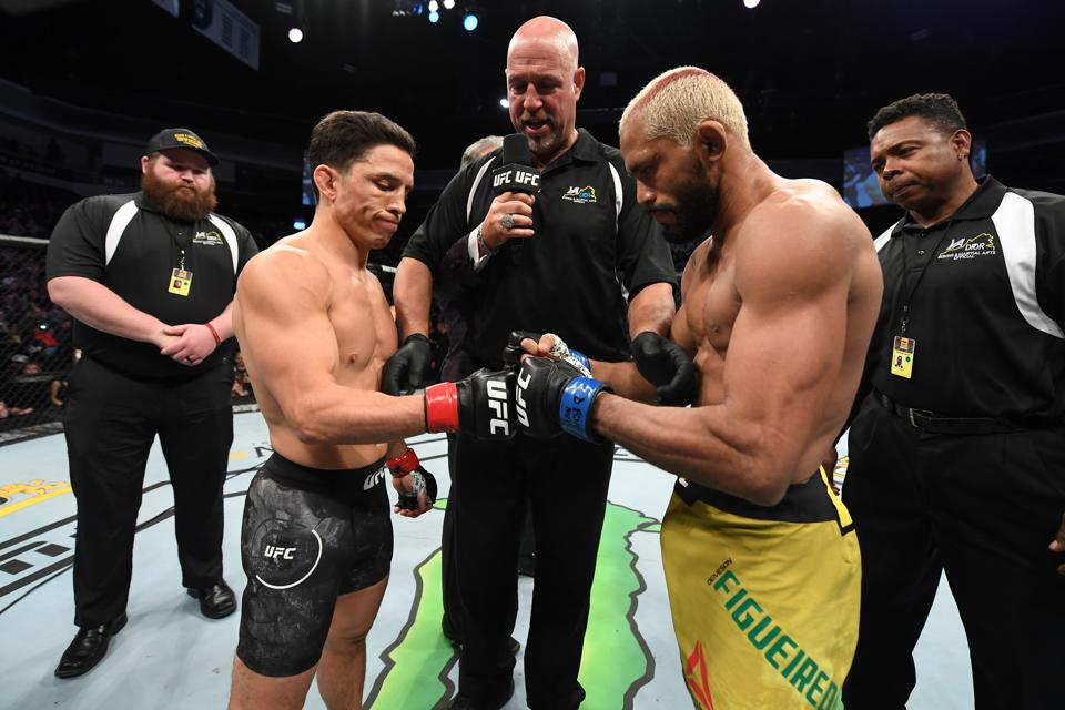 Deiveson Figueiredo and Joseph Benavidez meet in the main event of tonight's UFC on ESPN+ 30 fight card.