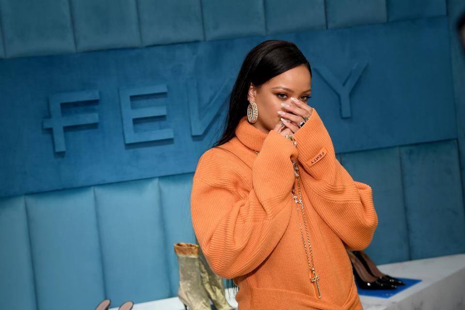Robyn Rihanna Fenty And Linda Fargo Celebrate The Launch Of FENTY At Bergdorf Goodman