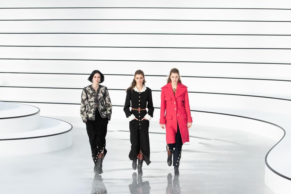 Chanel : Runway - Paris Fashion Week Womenswear Fall/Winter 2020/2021