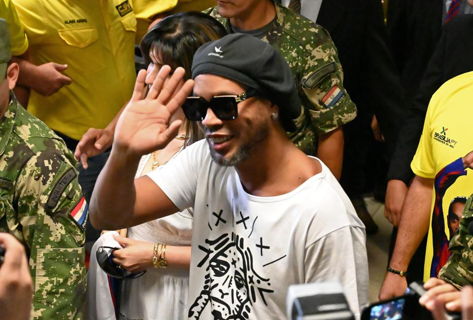 Fc Barcelona Legend Ronaldinho Released From Paraguay Maximum Security Prison On House Arrest