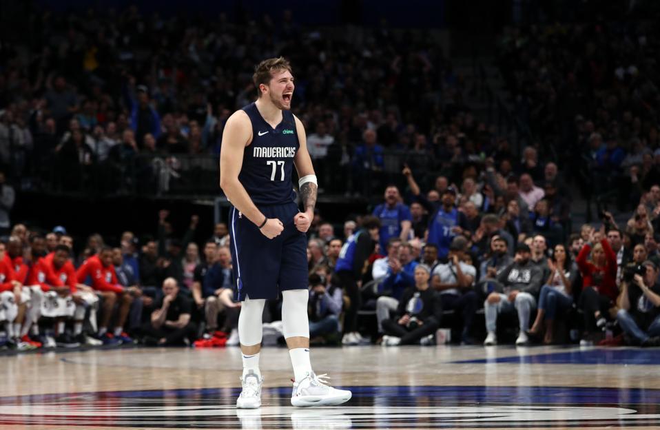 Dallas Mavericks Break The NBA's Consecutive Sellout Record