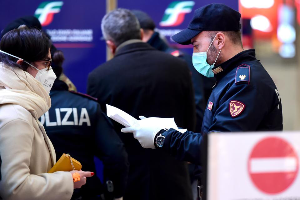 Coronavirus: Italy extends emergency measures nationwide