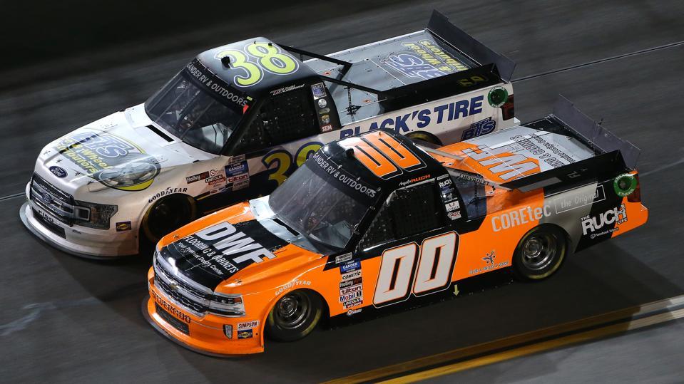 NASCAR Gander RV & Outdoors Truck Series NextEra Energy 250