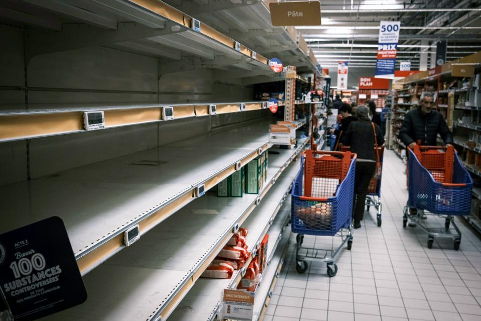 FRANCE-HEALTH-VIRUS-FOOD-DISTRIBUTION
