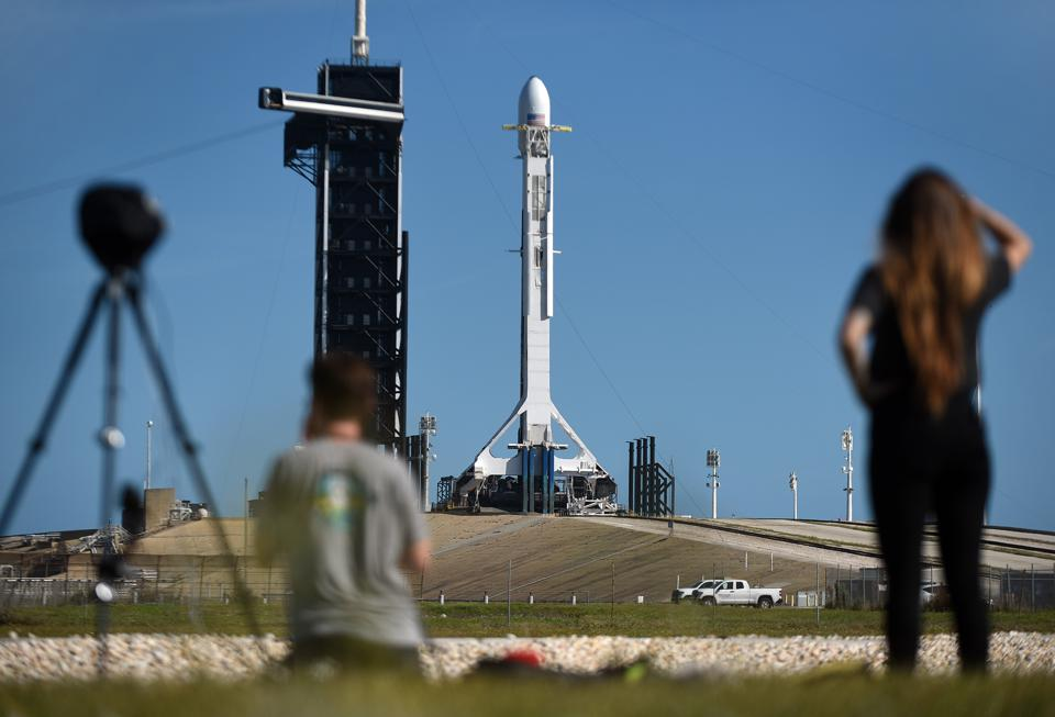 SpaceX Readies For Sixth Starlink Launch