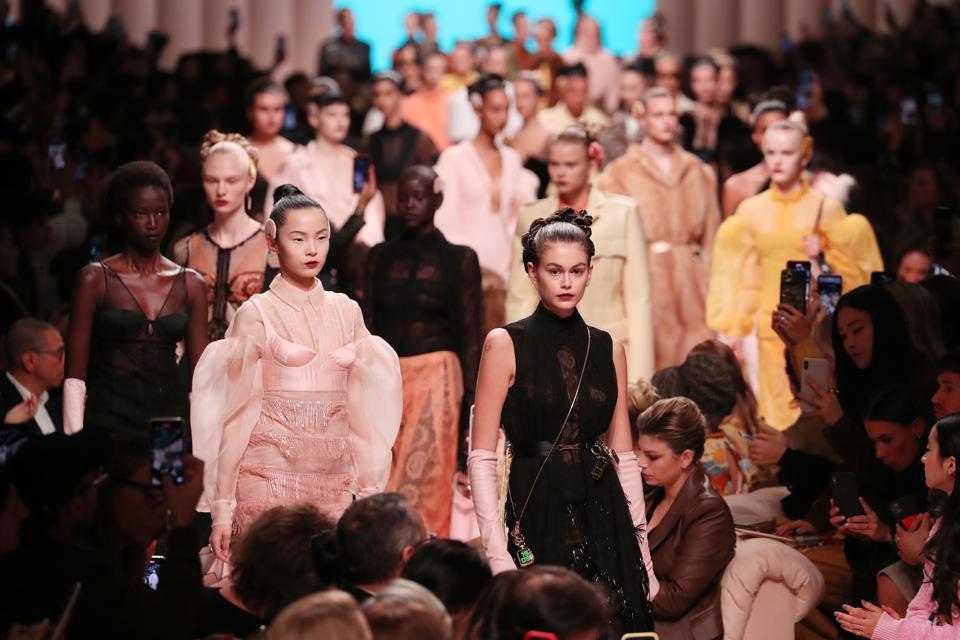Fendi - Pasarela - Semana de la Moda de Milán Otoño / Invierno 2020-2021