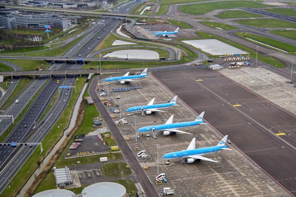 NETHERLANDS-HEALTH-VIRUS-TRANSPORT-AIR