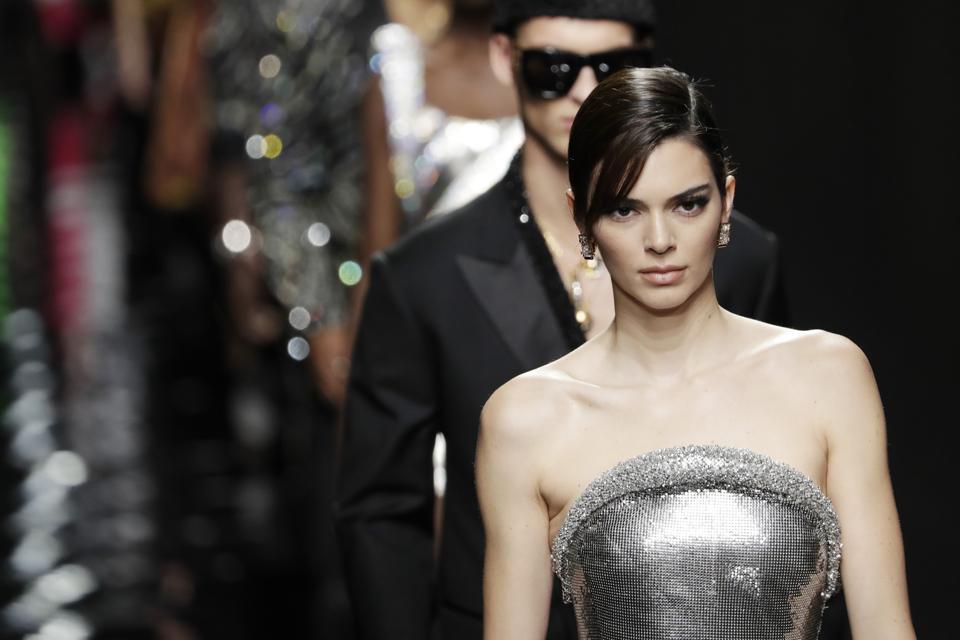 Versace - Pasarela - Semana de la Moda de Milán Otoño / Invierno 2020-2021