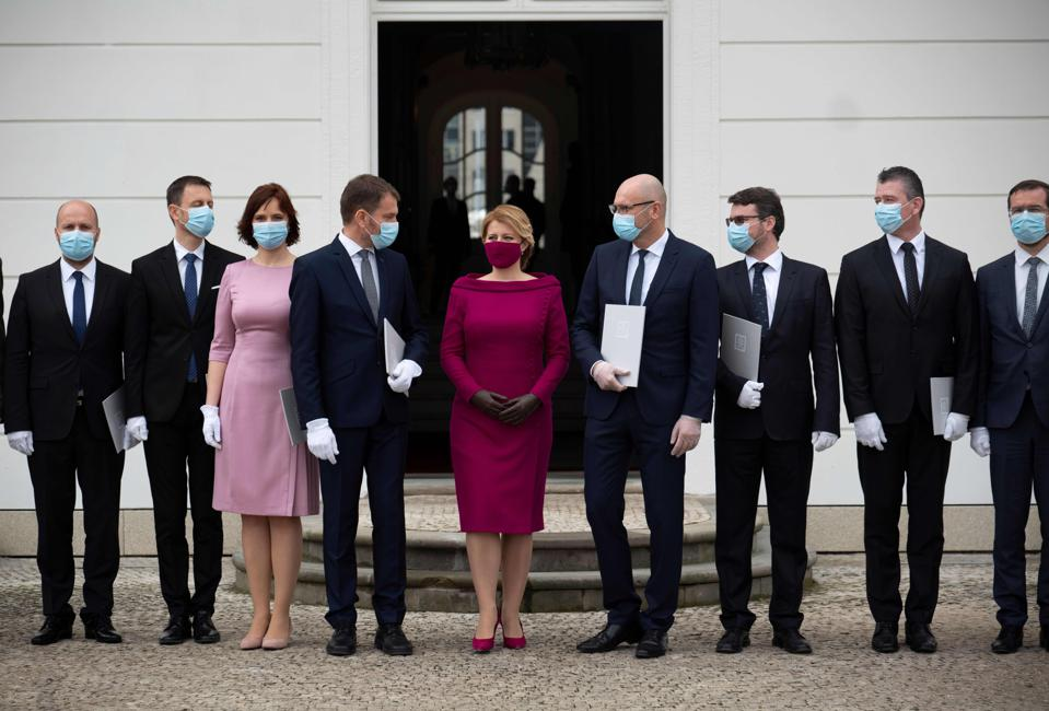TOPSHOT-SLOVAKIA-POLITICS-GOVERNMENT-HEALTH-VIRUS
