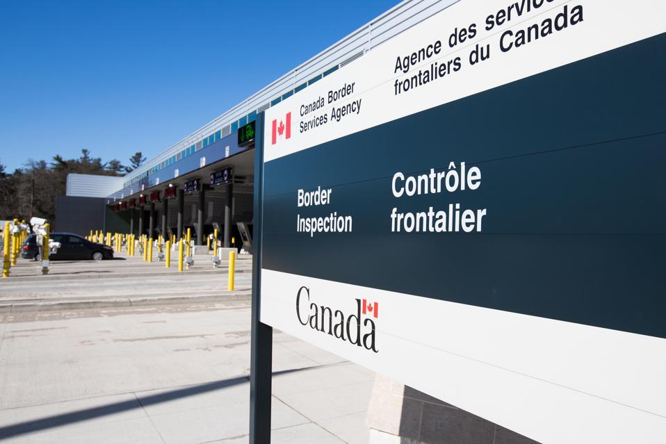 CANADA-US-VIRUS-HEALTH-BORDER Covid