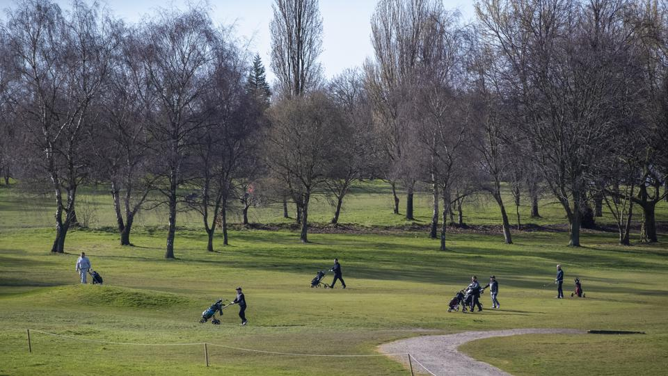 Golfing During A Pandemic? New York, Florida Courses Stay Open Amid Coronavirus Outbreak