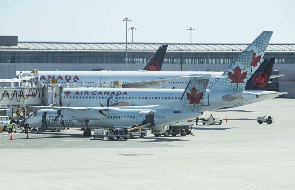 CANADA-TORONTO-COVID-19-AIR CANADA-LAY OFF