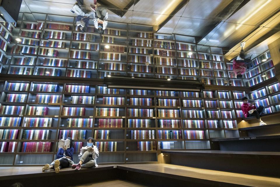 Citizens Browse Books in Bookstores coronavirus travel lockdown